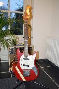 Saka copy Fender  Mustang
