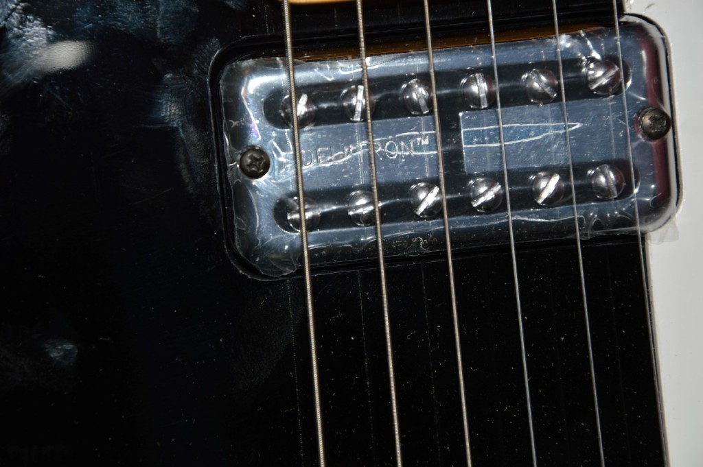 Squier Vintage Modified Cabronita Telecaster Bigsby Black review fidelitron pickups
